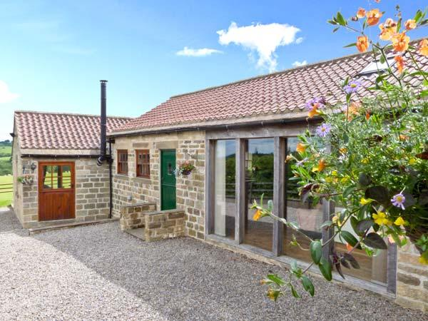 SALLY'S BARN, detached, all ground floor, woodburner, parking, garden, in Grantley, Ref 5922 - Image 1 - Grantley - rentals