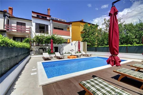 Luxury holiday house for 15 persons, with swimming pool , in Pula - Image 1 - Pula - rentals
