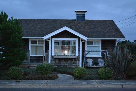 Saltworks Seaside Cottage ~ RA5947 - Image 1 - Seaside - rentals