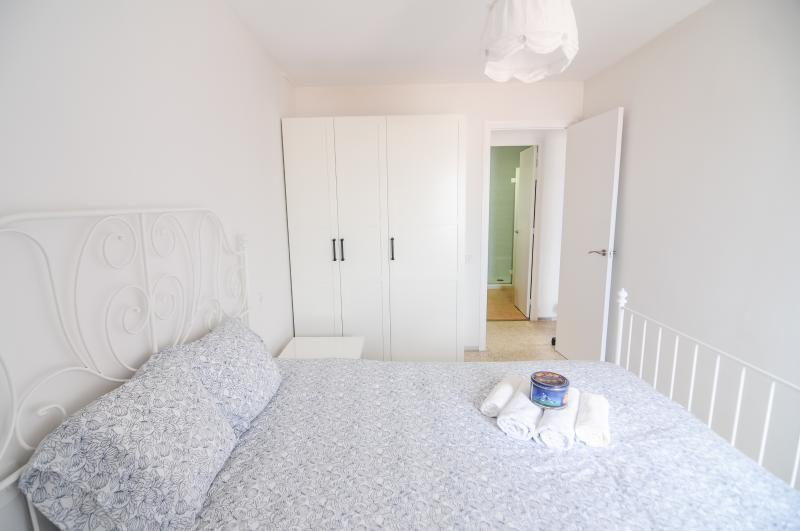 Double room 1 - Pubone - Sea, Culture & Shopping in Sabadell (BCN) - Sabadell - rentals