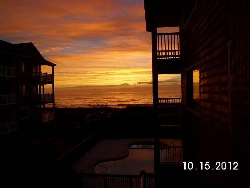 early Morning..with coffee - Oceanfront Complex-.2 Pools-Sleeps 4.-Wi-Fi.-Private Accesses to beach - Carolina Beach - rentals