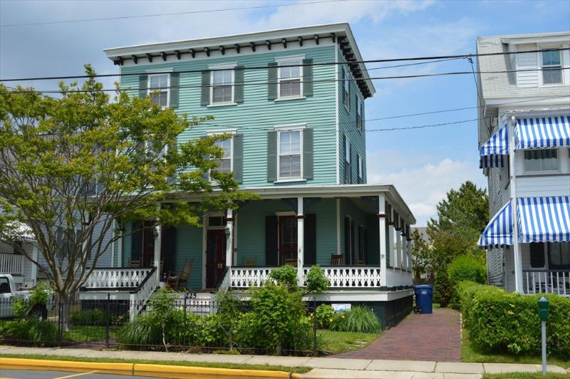 225 Grant Street - GIANT VICTORIAN CLOSE TO BEACH AND TOWN 32965 - Cape May - rentals