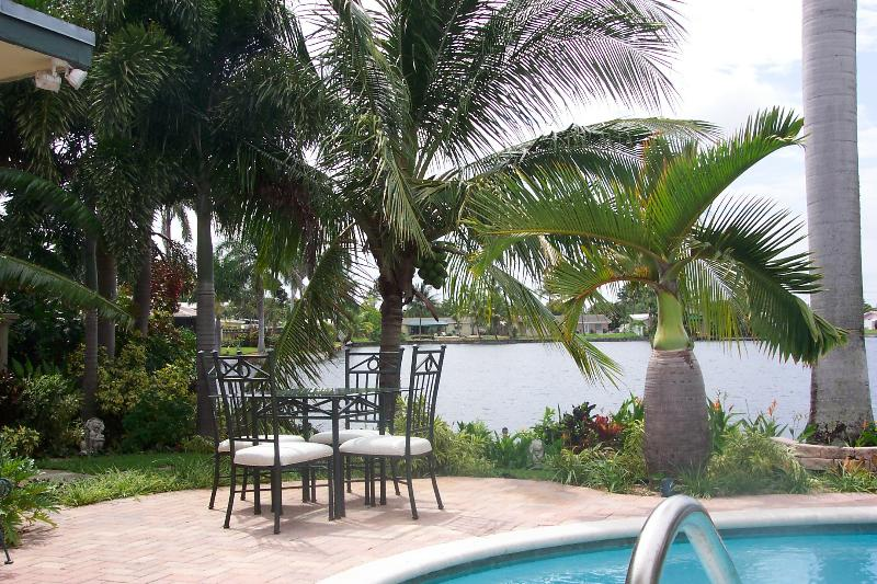 Enjoy Waterfront Dining - Suite in Mediterranean Style Waterfront Pool Home! - Fort Lauderdale - rentals