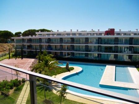ONE BEDROOM APARTMENT IN VILAMOURA 2,5 KM AWAY FROM FALESIA BEACH AND THE MARINA REF.RGC110483 - Image 1 - Quarteira - rentals
