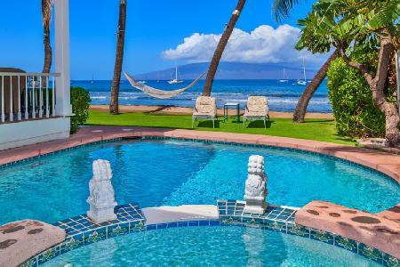 Lahaina Oceanfront Estate is Ideal for Intimate Weddings and Family Reunions - Image 1 - Maui - rentals
