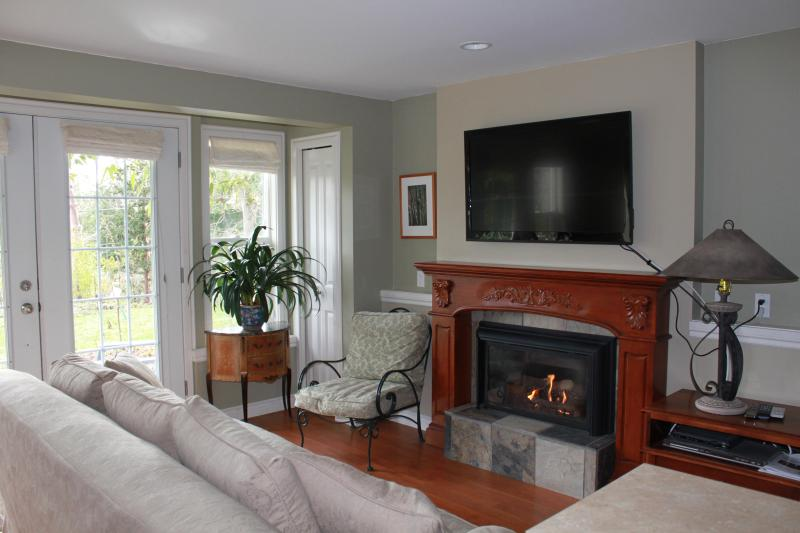 Foxgloveden - Victoria Vacation Rental at Foxgloveden - Victoria - rentals