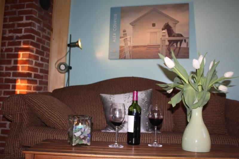 Relaxing over a glass of limited edition wine from one of the many surrounding wineries - The Cottage in Wolfville - Wolfville - rentals