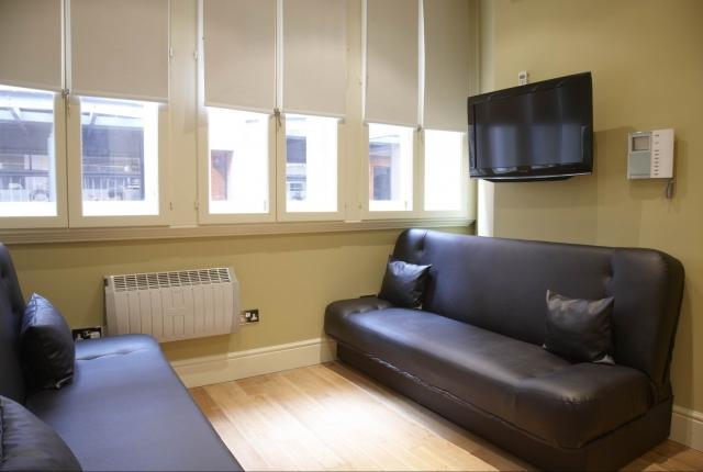 LON Two bedroom near Trafalgar Square Key 112 - Image 1 - London - rentals