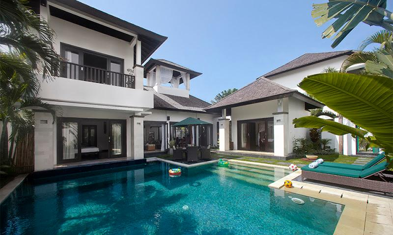 Welcome to the villa Cempaka. - Villa Cempaka with roof-top bale and speed boat - Nusa Dua - rentals