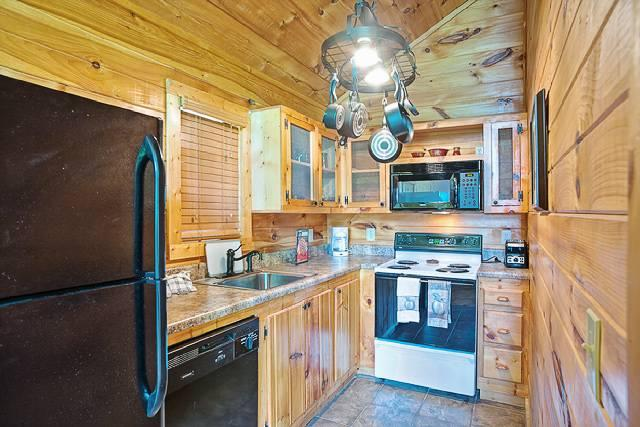 Holly Tree Hideaway - Image 1 - Sevierville - rentals