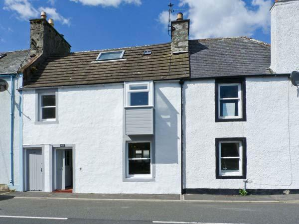 DUCKET COTTAGE, open fire, pets welcome, close to the coast, two en-suites, in Wigtown, Ref. 26248 - Image 1 - Wigtown - rentals