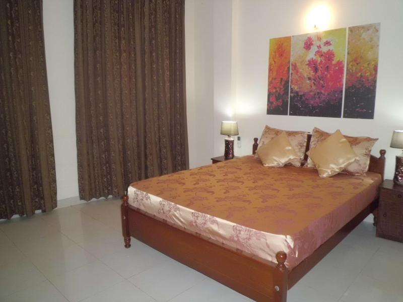 Master bedroom - 3 bedroom luxury appartment for rent (value for Money) - Colombo - rentals