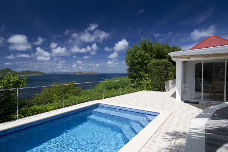 Swimming pool/sea view - Villa Coral - Camaruche - rentals