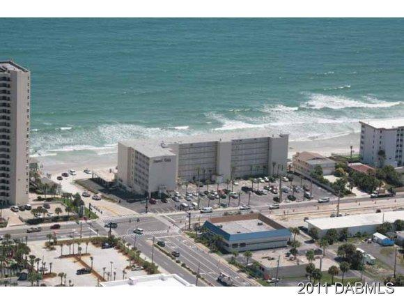 best location of beach - Direct oceanfront. Gorgeous designer condo studio. Daytona Beach Shores, 32118 - Daytona Beach Shores - rentals