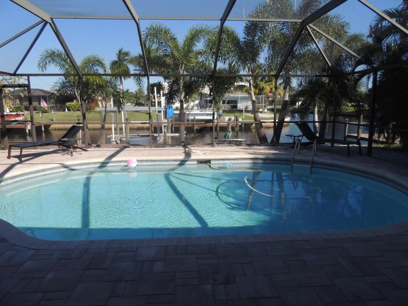 Pool with Waterfront View - Gulf Access/Boat Lift & Dock/Heated Spa and Pool/ WiFi Boat Optional! - Cape Coral - rentals