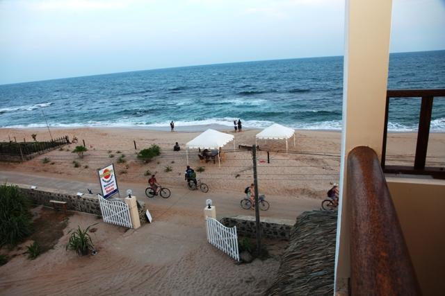 View from the balcony - Beach Front, Lagoon View Guest House in Tangalle - Tangalle - rentals