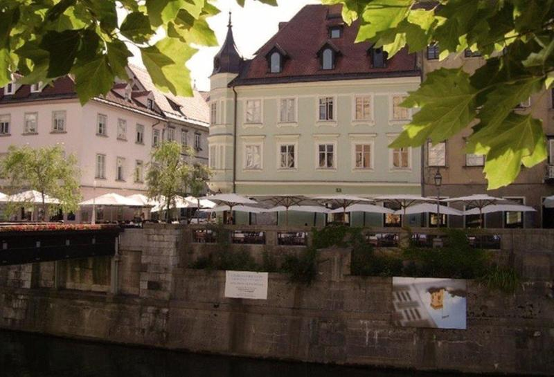 EMMI is a place surrounded by tales of history. - EMMI 4* studio apartment in central Ljubljana - Ljubljana - rentals