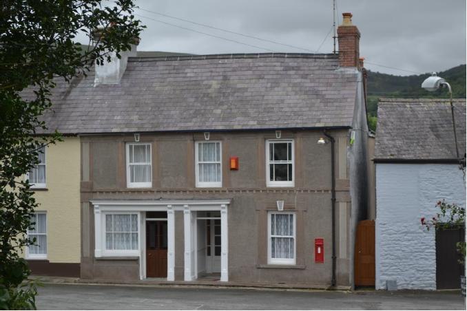 The Old Post Office - front view - Cottage sleeps 10 in Brecon Beacons National Park - Llandovery - rentals