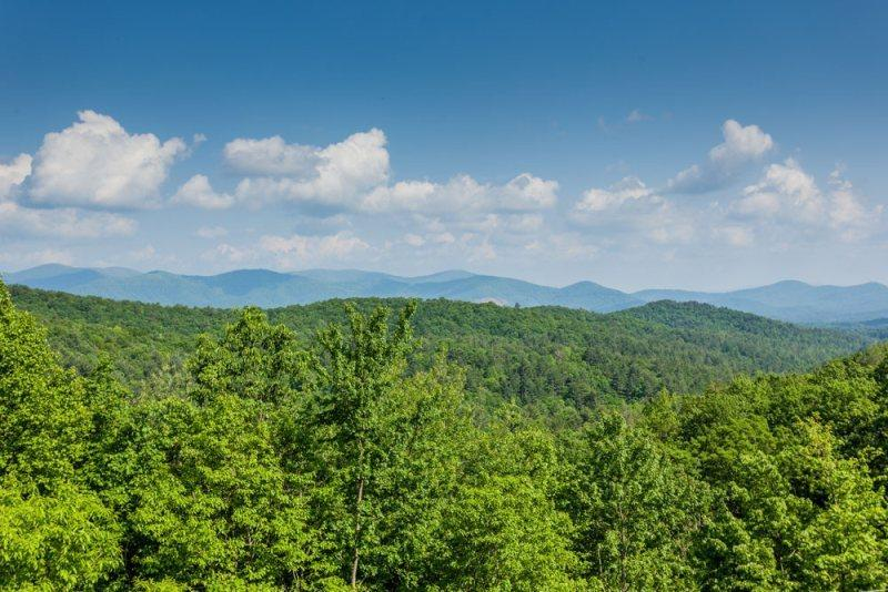 Mountain top views from all the deck areas - Moonlight Hideaway - Ellijay GA Rental Cabin - Ellijay - rentals