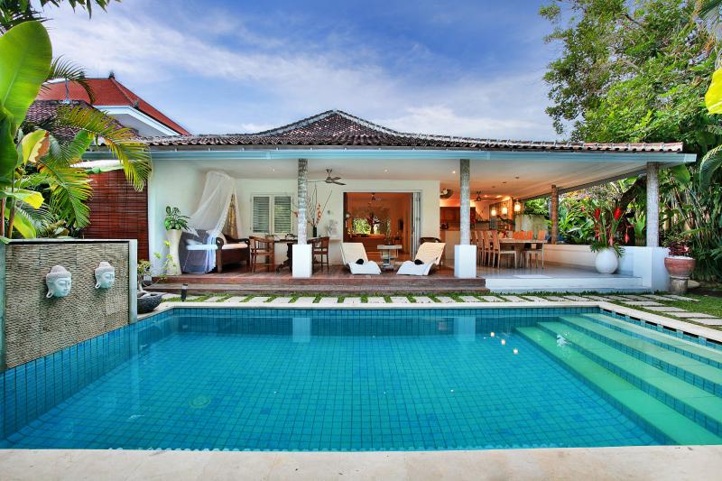 Beautiful Villa Pool - Villa Heliconia Affordable Luxury - In your private haven.from$200 pn - Legian - rentals