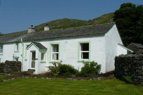 GILL FOOT, Thirlmere, St Johns in the Vale, Nr Keswick - Image 1 - Thirlmere - rentals