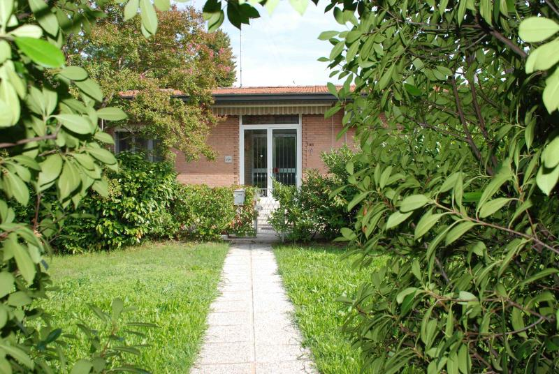a '60s villa in the green - For single travelers, close to downtown - Padua - rentals