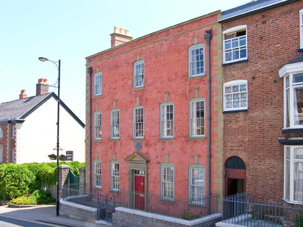MOSTYN HOUSE, period features, en-suite facilities, central location, in Denbigh, Ref. 24896 - Image 1 - Denbigh - rentals