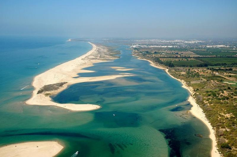 Ria Formosa Natural Park - Portugal, Algarve, Fuzeta,beach front with balcony - Fuzeta - rentals