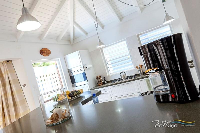 Coffee Anybody? - Newly Renovated Villa with Pool! Sleeps 8 - Willemstad - rentals