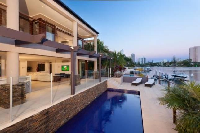 Riverview Fantastic Waterfront Mansion - Image 1 - Surfers Paradise - rentals