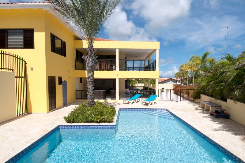 Luxurious Villa Brakkeput Curacao - VIP treatment low pricing! - Image 1 - World - rentals