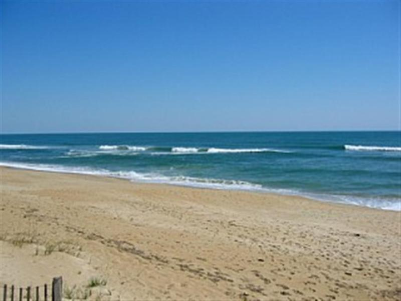 Beach  - CHARMING OCEANSIDE 3 BEDROOM HOME STEPS FROM OCEAN - Southern Shores - rentals