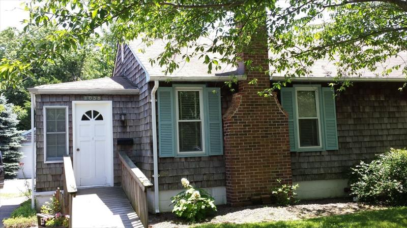 1036 New York Ave - Holly s Haven 92721 - Cape May - rentals