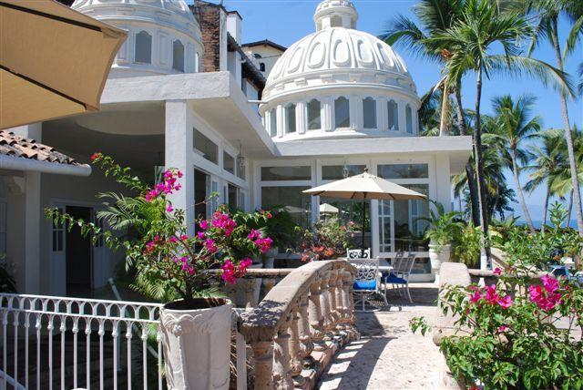 The distinctive dome over the living room emphasizes the traditional Colonial design - Luxury Beachfront Villa 4or5 Brs 1 Nt FREE Fall 14 - Puerto Vallarta - rentals