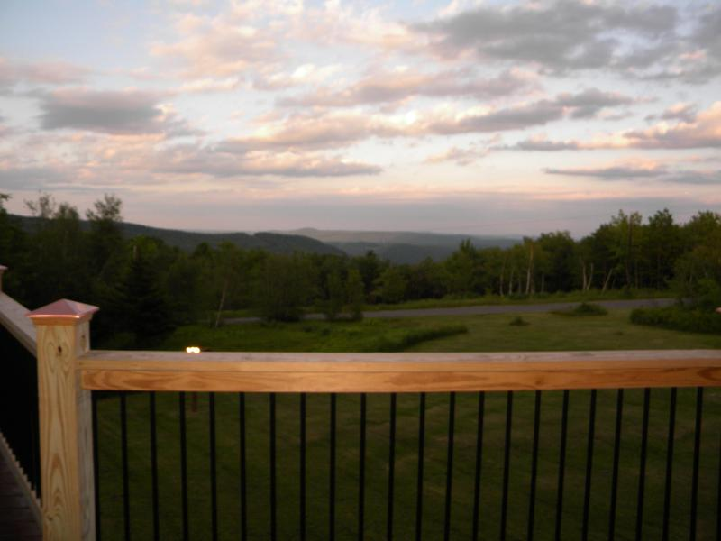 view from the Summit House at the Rose and Goat Retreat - Rose and Goat Retreat - Mountain View Apartment - Florida - rentals