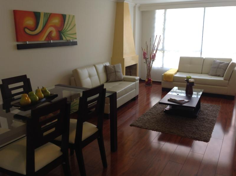 Pefect to relax together while enjoy a nice dinner or create memories together  - Nice 2BR apartment few blocks from Unicentro&Metro127 Mall. Great Location! - Bogota - rentals