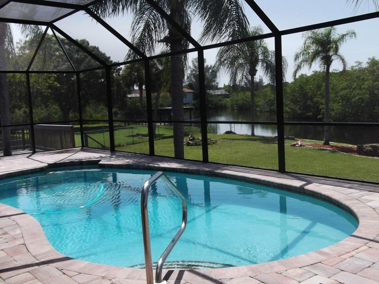 The covered POOL - Lemon Bay/Stump Pass 1-2 families Boat Dock to Gulf & POOL! - Englewood - rentals