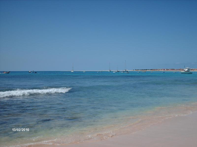 Beach at Porto Antigo - Beach front 2 bedroom apartment Porto Antigo 2 the best frontline development in Santa Maria Sal Island Cape Verde - Santa Maria - rentals