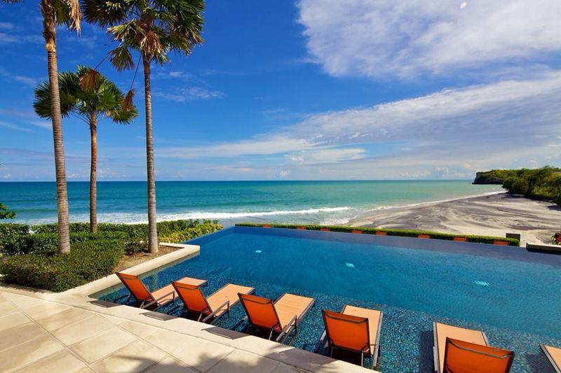 Infinity Pool Lower level right on the beach - Amazing Beachfront Condo - Rio Mar, Panama - San Carlos - rentals