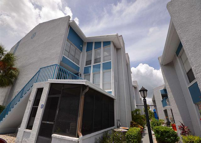 Madeira Beach Yacht Club 303G -  Spacious two-story townhouse! - Image 1 - Madeira Beach - rentals