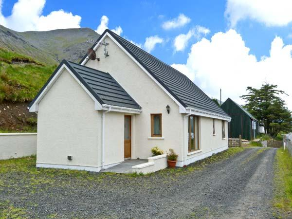 TIGH NA CREAG, detached, all ground floor, off road parking, in Portree, Ref 26278 - Image 1 - Portree - rentals