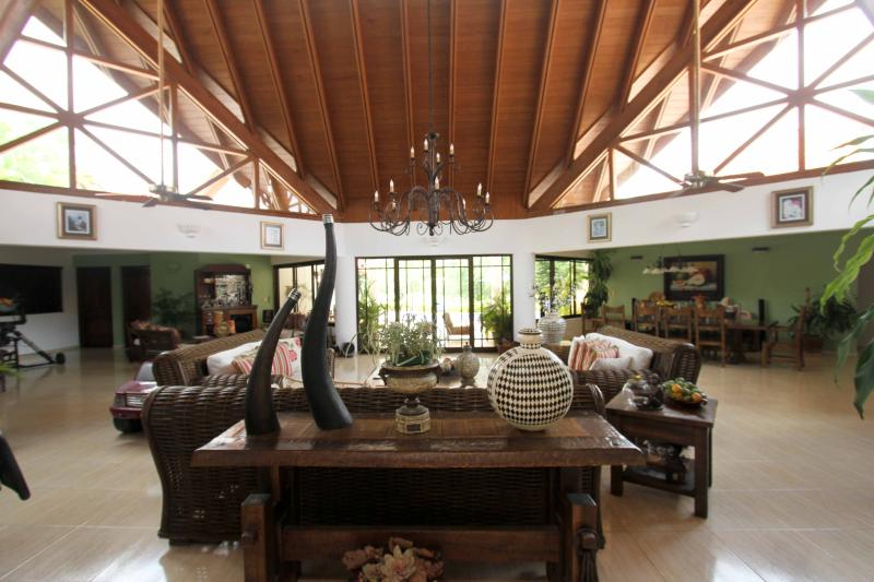 View of the living room as you enter the house. - Luxury Casa de Campo home - !!LOW SUMMER RATES!! - La Romana - rentals