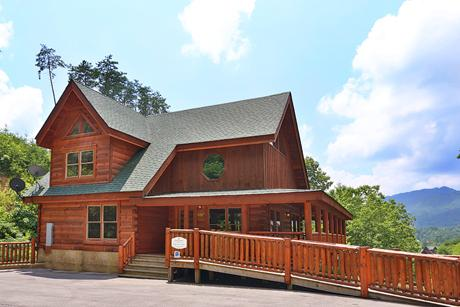 Cabin - Playhouse Cinema has everything it claims and more! - Sevierville - rentals