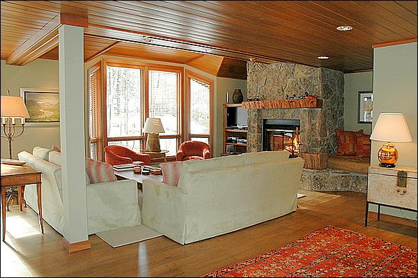 Newly Remodeled Living Room - Snowmass Condo - Ski-in/Ski-out (2135) - Aspen - rentals