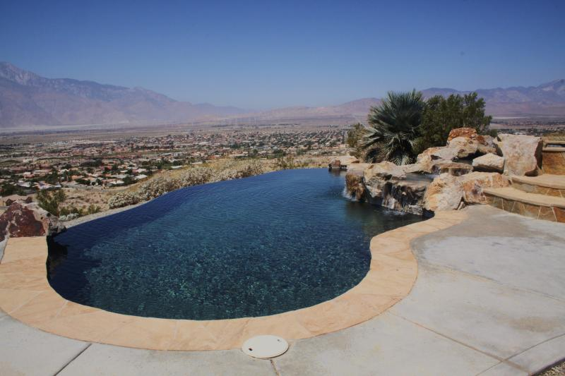 Infinity Edge Pool with Amazing Views - Skyline Hilltop Desert Estate - Desert Hot Springs - rentals