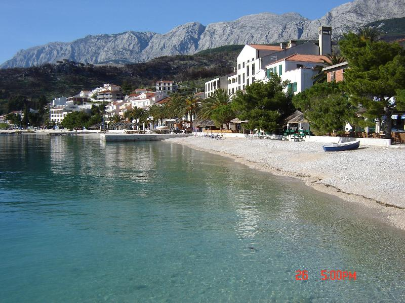 Apartment near the beach with a breathtaking sea view - Image 1 - Podgora - rentals