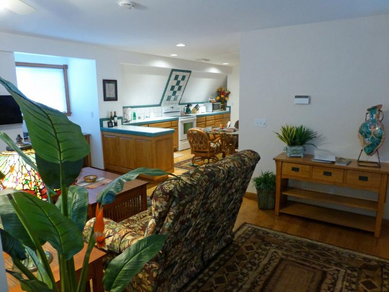 Make this your home away from home with all the comforts and conveniences you want including A/C! - 2 BR luxury furnished apartment with central air - Corvallis - rentals