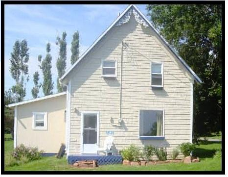 Front of Cottage - Charming - PEI 135 Year Old Cottage - Pelham - rentals