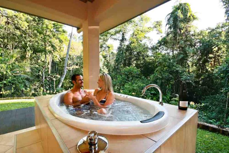 Outdoor Spa with Rainforest Valley Views - Platypus Springs - Secluded Escape For Two - Kuranda - rentals