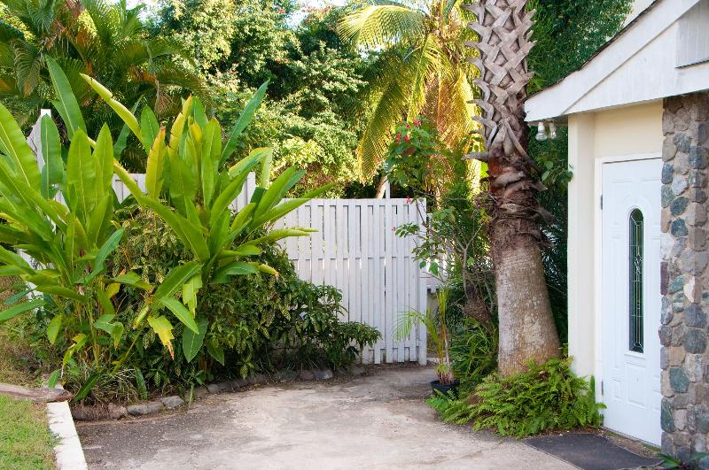 Welcome to the Bohemian Lodge - Bohemian Lodge | Perfect location for affordable luxury in Kingston - Kingston - rentals